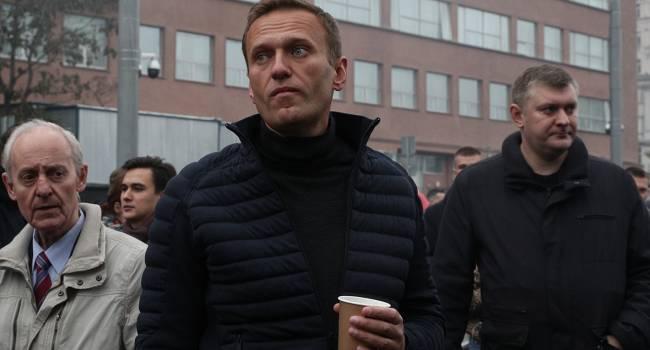 «План убийц был прост - мне станет плохо через 20 мин после взлёта, ещё через 15 мин я вырублюсь»: Навальный рассказал, кто на самом деле спас ему жизнь