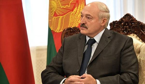 Лукашенко надумал ввести карантин для въезжающих из стран Запада