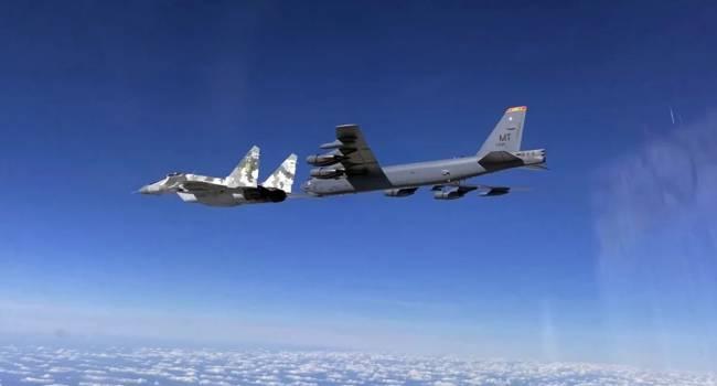 «Будем всех бомбить»: Политолог объяснил, что появление бомбардировщиков ВВС США в украинском небе вовсе не означает, что они будут отсюда кого-то бомбить
