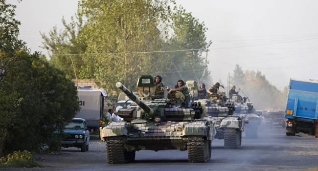 «Будет кровавая бойня»: Армения перебрасывает большое количество танков и военных грузовиков к границе с Азербайджаном