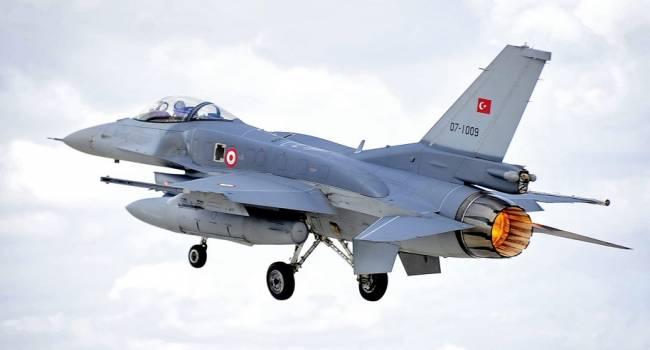 В Нагорном Карабахе заявили о смертельной атаке истребителей F-16 ВВС Турции