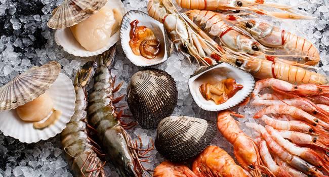 «Полностью отказаться от этих деликатесов?»: ученые обнаружили микропластик во всех морепродуктах