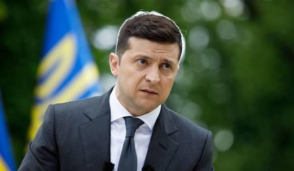 Зеленский потребовал повысить должностные оклады медикам уже в сентябре
