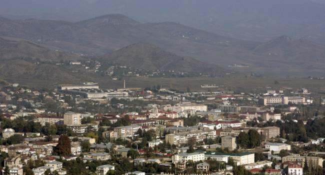 «Если Азербайджан, действуя в союзе с Турцией, захватит Нагорный Карабах, то армян либо выгонят, либо убьют»: Писатель объяснил, почему Армения стала заложницей РФ