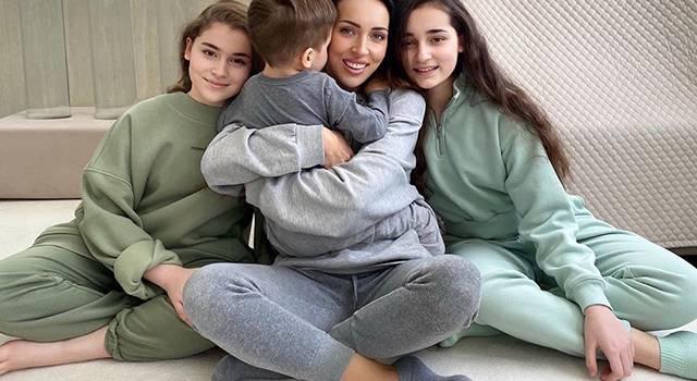 «Самый сладкий мальчик»: Алсу показала трогательное фото с сыном