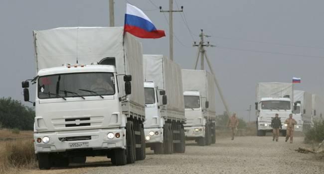 «В «ЛДНР» прибыли уже 40 машин»: Москва отправляет на Донбасс грузовики с неизвестным грузом
