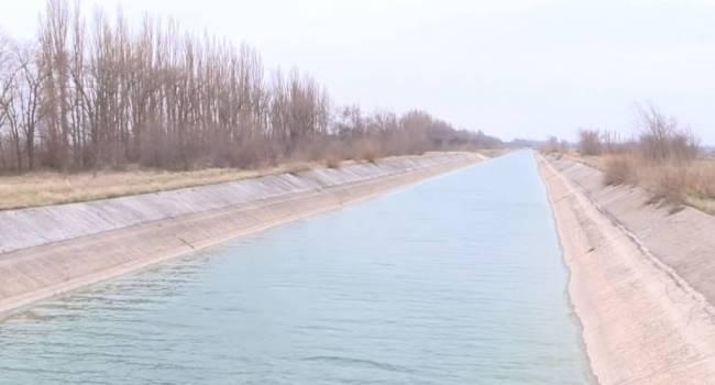Подача воды в Крым: Билецкий рассказал, почему Москва не стремится самостоятельно решить вопрос