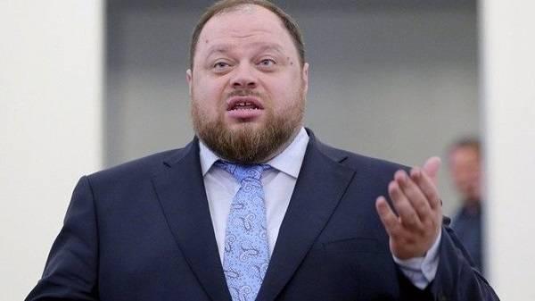Стефанчук пояснил, зачем Зеленский хочет провести опрос