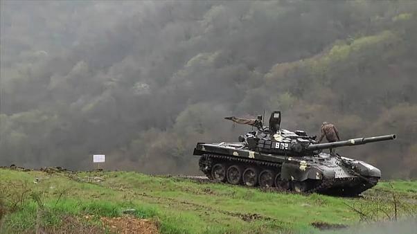 Карабах превращается в выжженную землю: Интенсивность боев набирает обороты