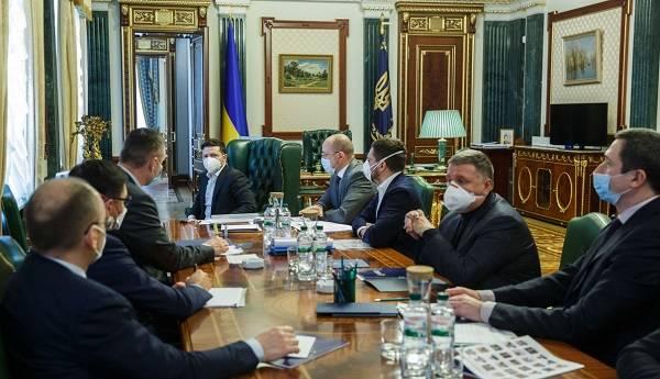 Зеленский требует от Степанова правдивую информацию о количестве выздоровевших от коронавируса