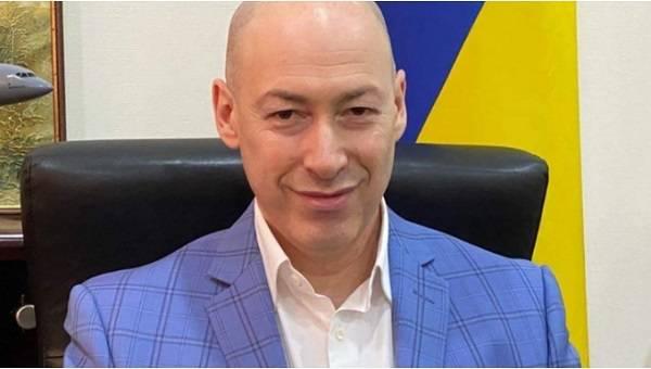«Что вам до наших дел?»: Гордон жестко поставил на место известного российского либерала за его позицию по Крыму