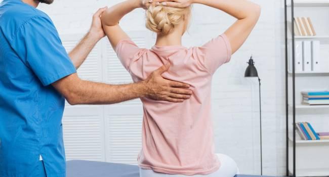 Почему болит спина: ответ врачей-вертебрологов