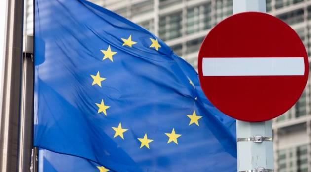 «Наказание за Крым»: ЕС расширил санкции против России