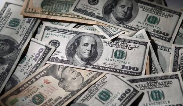 Курс доллара после продолжительного роста перешел к снижению