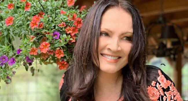 «Вы потрясающая! Какая же вы красивая и светлая»: София Ротару шокировала сеть помолодевшим видом