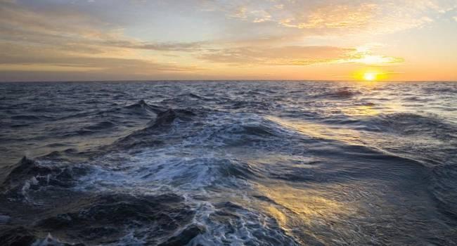 Атлантический океан рекордно теплеет: ученые пугают