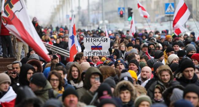 Силовики в Минске задержали представителей прессы и отправили их в СИЗО