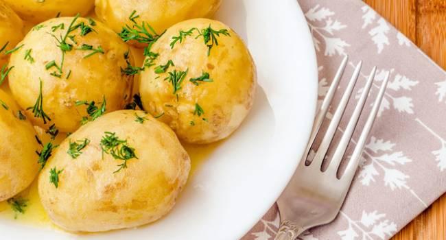 Фитнес-тренер назвал картошку идеальным продуктом для похудения: шокирующие факты