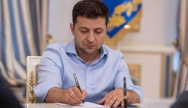 Жесткий карантин приведет к краху экономики Украины, и всем будет очень сложно. Но это реально может быть – Зеленский