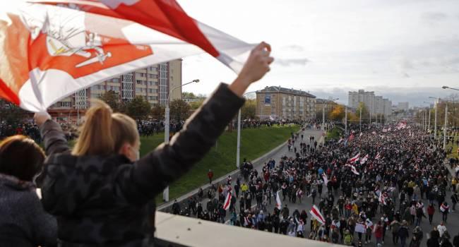 «В ход пойдет оружие»: политолог прогнозирует масштабные столкновения белорусской оппозиции с силовиками