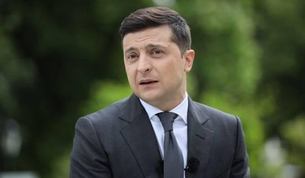 Зеленский просит ВР и Минздрав разработать модель страховой медицины