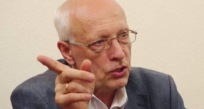 Те украинские политики, которые выступают за Путина и за дружбу с Россией, будут в итоге уничтожены в политическом плане, а возможно, и арестованы - мнение