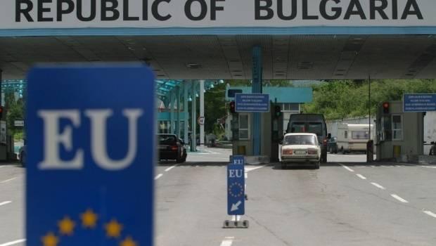 «Борьба с коронавирусом»: В Болгарии вводят обязательное ношение масок на улице