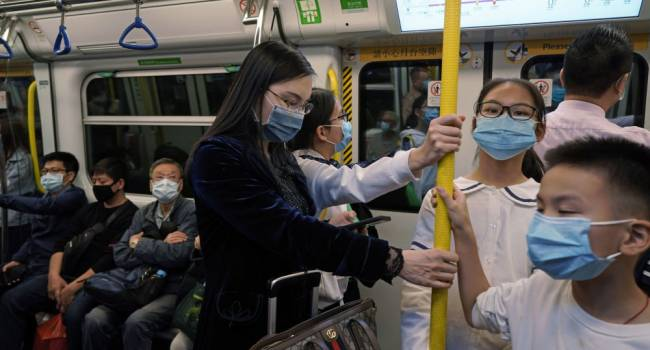 Намного опаснее гриппа: ученые выяснили, какое время коронавирус живет на коже