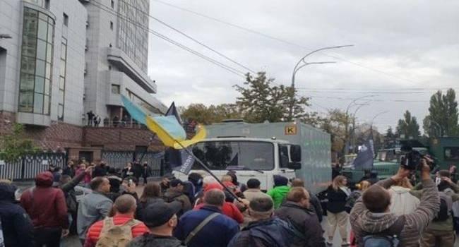 Блогер: и вот Зеленский уже, как Янукович, и где-то, в Ростове риэлторы потирают лапки. Ну что, Вова? Понеслась?