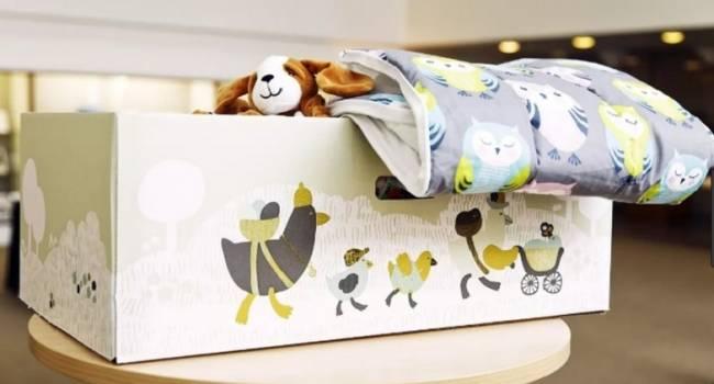 «Больше никаких денег!»: Зеленский возобновил выдачу «пакета малыша»
