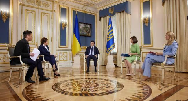 «Теплая ванна» для Зеленского: президент анонсировал откровенное интервью на олигархических каналах