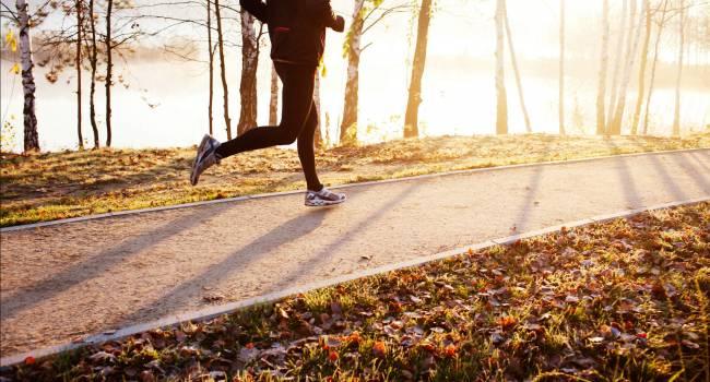 Ученые обнаружили связь между тренировками по утрам и онкологическими заболеваниями