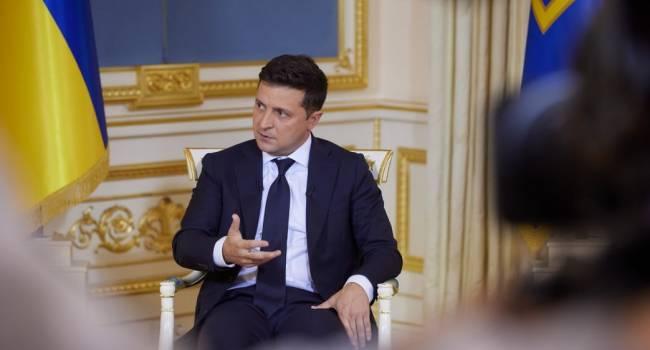Телеведущий: первый вывод после интервью Зеленского – без суфлера он очень слабенький. Даже в «теплой ванне» идет ко дну