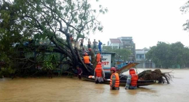 Очень много жертв: во Вьетнаме произошло самое масштабное наводнение за несколько десятилетий