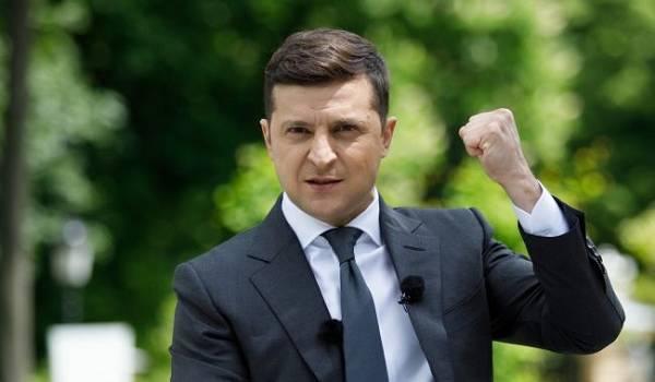 Суд отклонил иск к Зеленского касаемо проведения всеукраинского опроса в день местных выборов