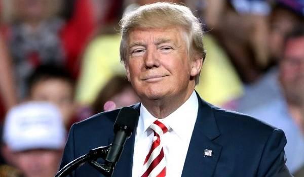Трамп пообещал своим сторонникам скорое окончание пандемии COVID-19