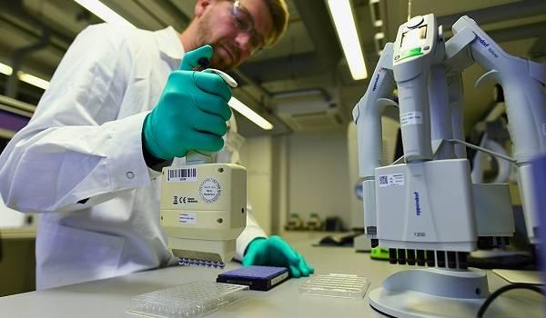 В России ученые готовятся создать вакцину от коронавируса в виде спрея