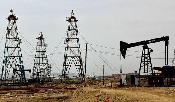 Нефть снижается в цене на фоне роста случаев COVID-19