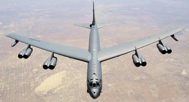 Бомбардировщики США и дальше будут летать над Украиной – генерал