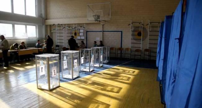 Руденко: первый вывод выборов – избиратели готовы голосовать за тех, кто грабил Украину и сдавал ее России во времена Януковича