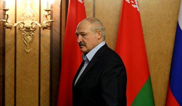 Лукашенко о ситуации в Беларуси: Участники протеста стали террористами и перешли красную черту по многим направлениям