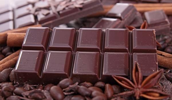 Препятствует усвоению кальция: доктор Комаровский рассказал, как шоколад негативно влияет на организм