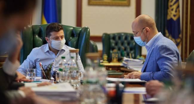 Журналист: есть 10 главных ошибок, которые ведут Зеленского к краху его политической карьеры