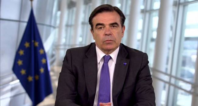 «COVID-19 атакует»: Вице-президент Еврокомиссии заразился коронавирусом