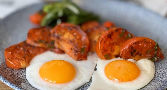 «Перегружают организм»: диетологи назвали безопасную норму яиц