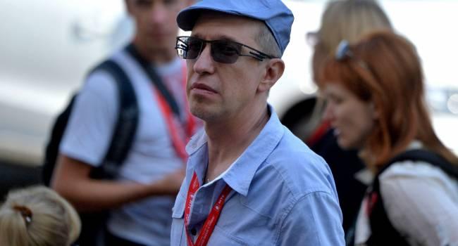 «Не морочить голову голосованием»: критик Соседов призывает закрыть проект «Голос»