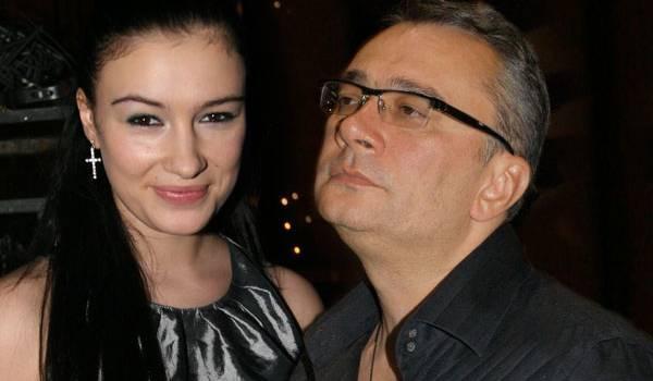 «Все думают, что прекрасно стоять петь в Кремле, но нет, это бесплатно»: Приходько рассказала, как Меладзе ей «перекрыл кислород»