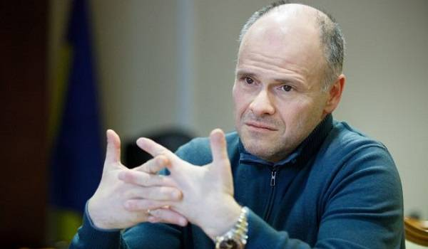 Радуцкий назвал преждевременными разговоры об украинской вакцине от коронавируса