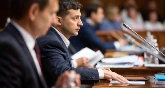 Политолог: без одобрения Зеленского суд не закрыл бы доступ к декларациям