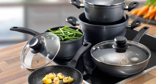 «Очень спорный вопрос»: специалист назвала самые опасные сковородки и кастрюли